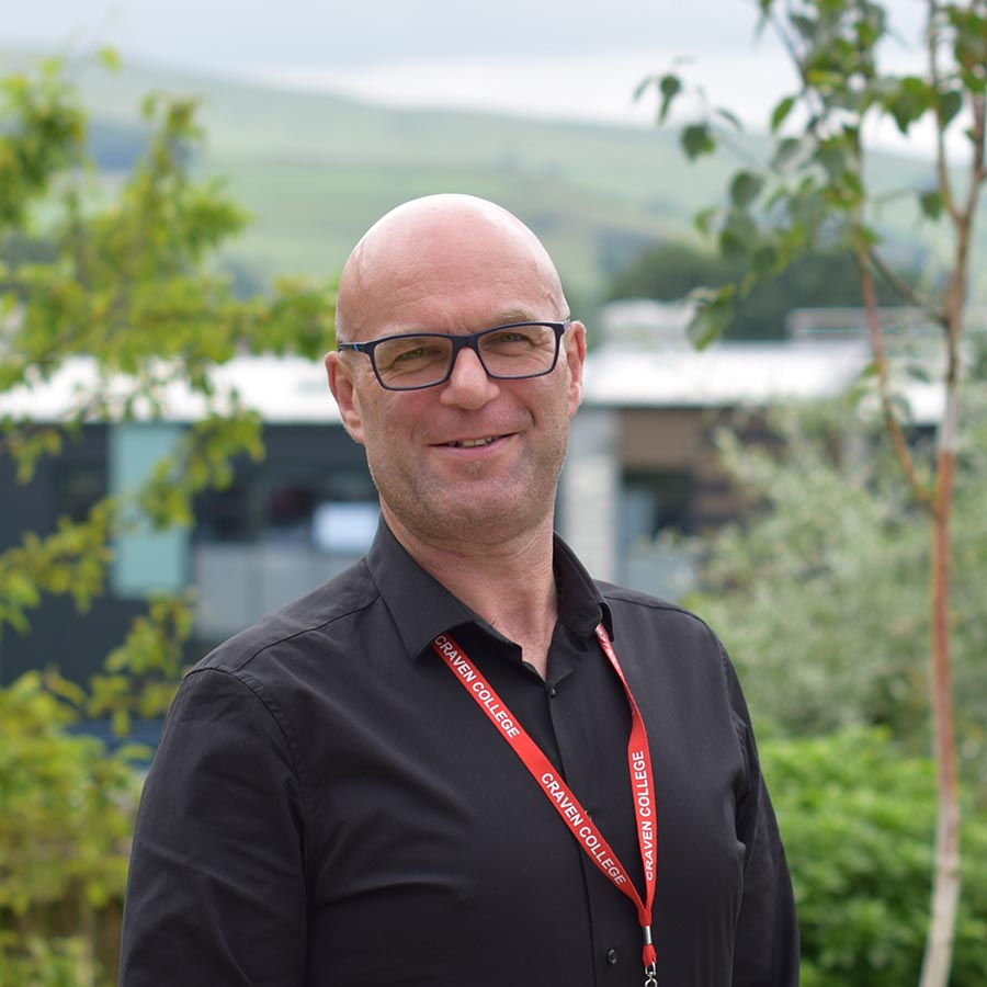Staff Profile - Richard Newall