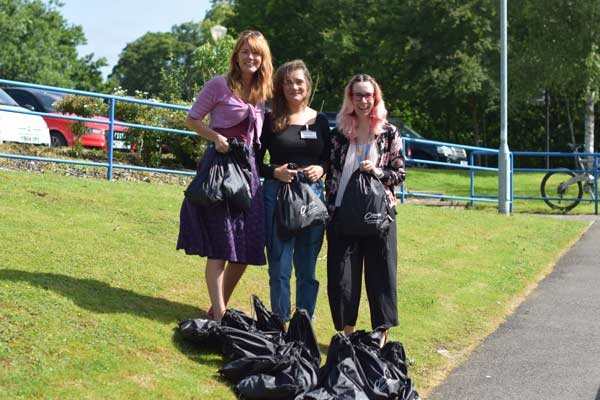 Craven College Students Help Calais Refugees