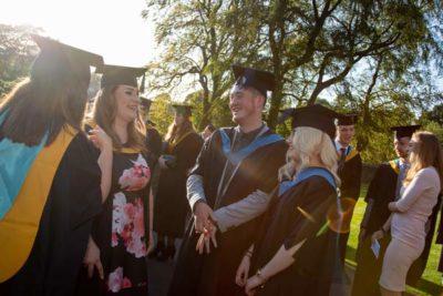 web AI5I4130 400x267 - Graduation 2019 alt